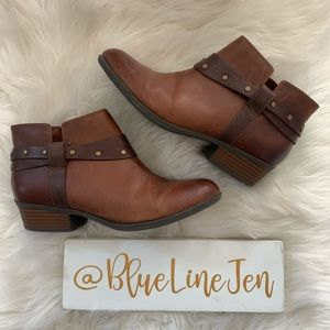Clarks Addiy Zoie Brown Leather Booties